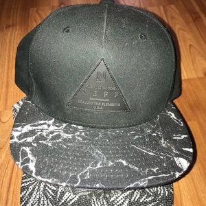 db6a3c5990c Neff Accessories - Neff men s SnapBack hat rare